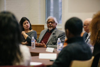 Arun Gandhi meets with Lehigh University students prior to his Kenner Lecture.