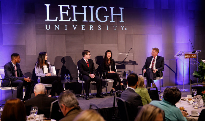 Lehigh hosts scholarship dinner