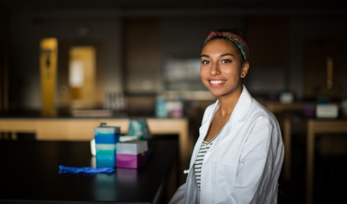 Lehigh University biology student Destiny West conducts research.