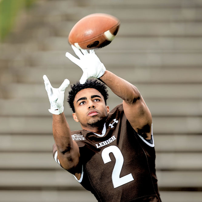 Lehigh football player preparing to catch a football
