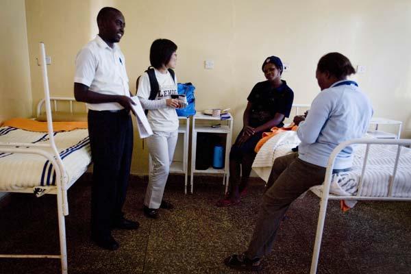 Cheng tours the Karuri Health Centre facilities