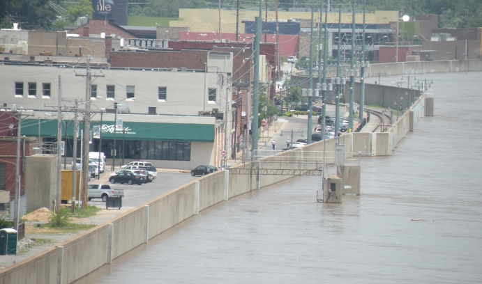 The floodwall protecting Cape Girardeau, Missouri, from the Mississippi River during a flood in 2013 is an example of technological hubris, says David Casagrande. (Photo courtesy of David Casagrande)
