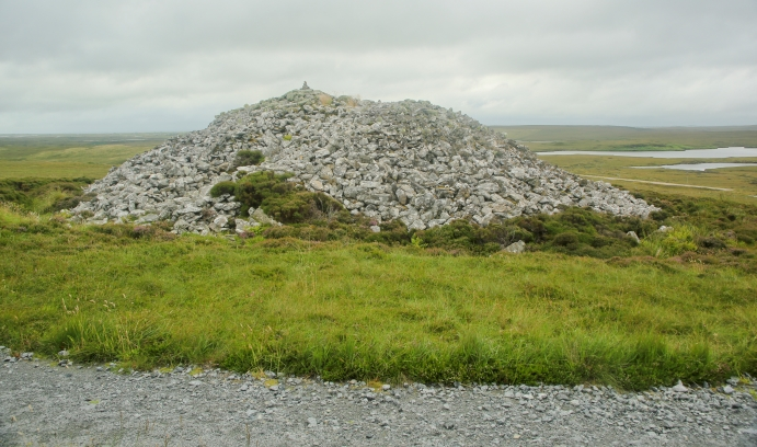 A prehistoric grave in South Uist, part of the Outer Hebrides island chain off the northwest coast of Scotland. A dozen Lehigh students are taking part in an archaeological expedition there this summer. (Photo by Don Ford courtesy of iStock)