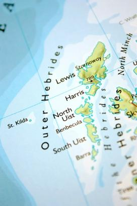 A map shows the Outer Hebrides islands lying just beyond Skye, the largest island in the Inner Hebrides off the northwest coast of Scotland. (Image courtesy of iStock/thisbevos)