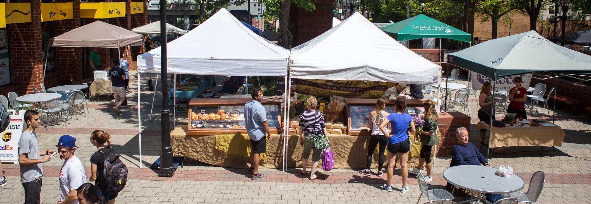 Farmer's Market in Farrington Square