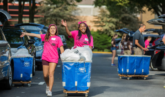 Lehigh students move in